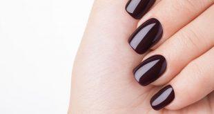 Smalto semipermanente: rovina le unghie?
